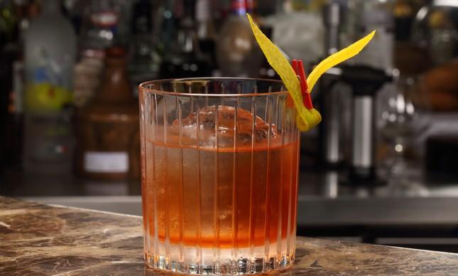 Drinque 'Rio Dourado', do Julieta Bar
