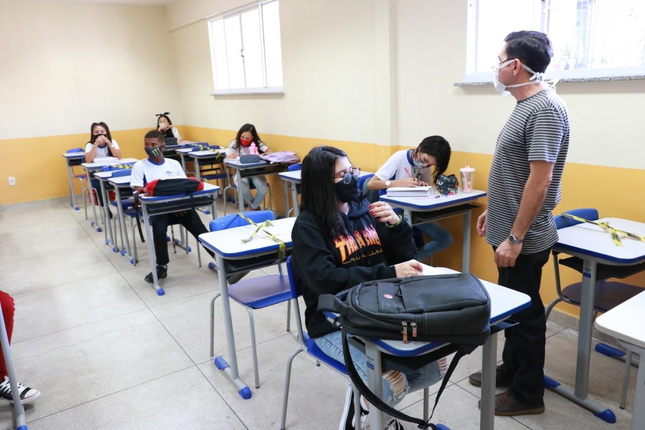 Belém define escalonamento da volta às aulas presenciais na rede municipal