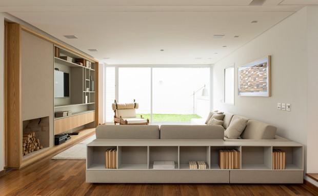10 salas com aparador de sofá (Foto: Salvador Cordaro)