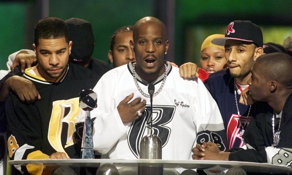 DMX discursa ao receber o prêmio R&B do Billboard Music, em Las Vegas, em 8 de dezembro de 1999 — Foto: Ethan Miller/Reuters/Arquivo