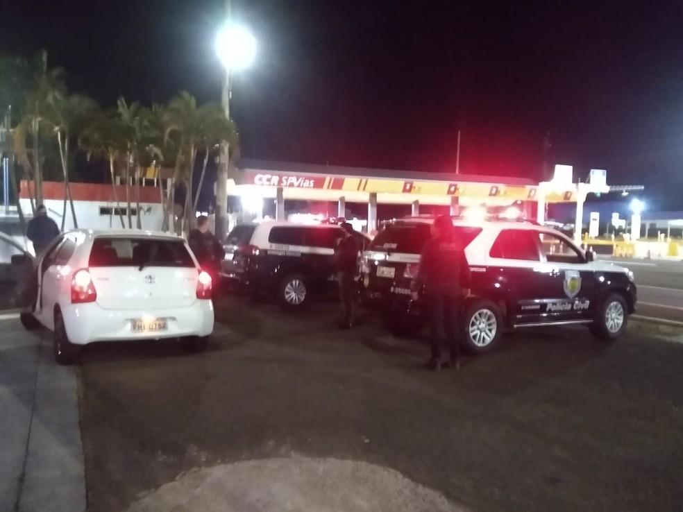 Policiais da DIG Avaré (SP) investigavam suspeito que foi preso por tráfico e associação criminosa. — Foto: Divulgação/Polícia Civil