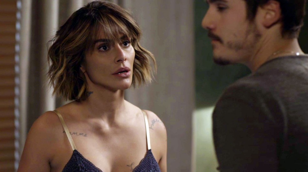 Betina fica em choque com Samuca (Foto: Globo)