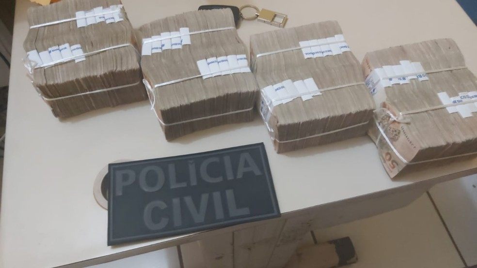 Homem é preso com R$ 200 mil em espécie por suspeita de compra de votos no Maranhão — Foto: Divulgação/Polícia Civil