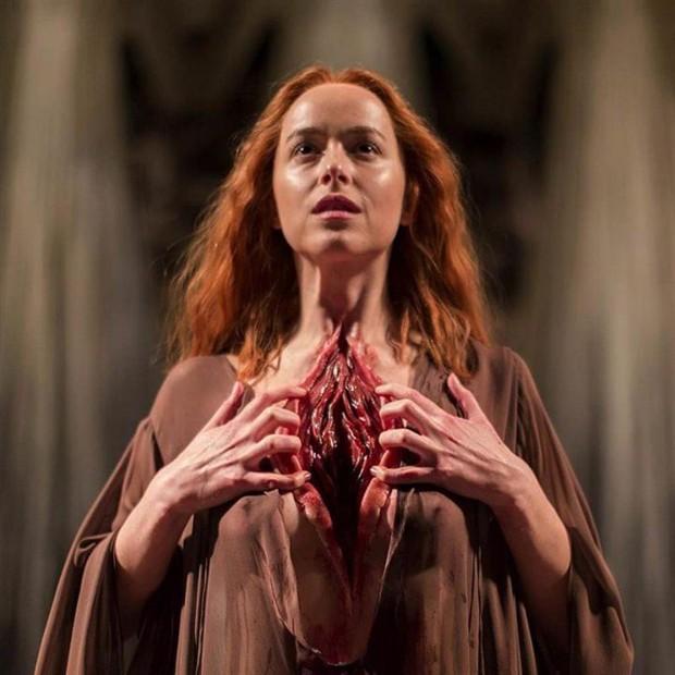 Dakota Johnson protagoniza novo filme de Luca Guadagnino (Foto: Amazon Studios/Divulgação)