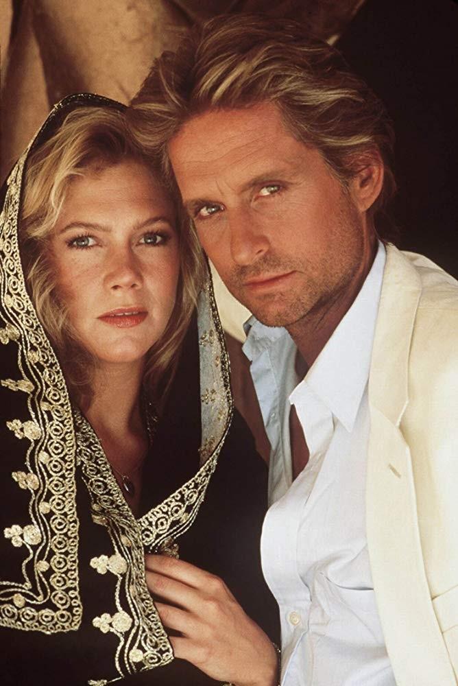 Michael Douglas e Kathleen Turner em A Jóia do Nilo (1985) (Foto: Divulgação)