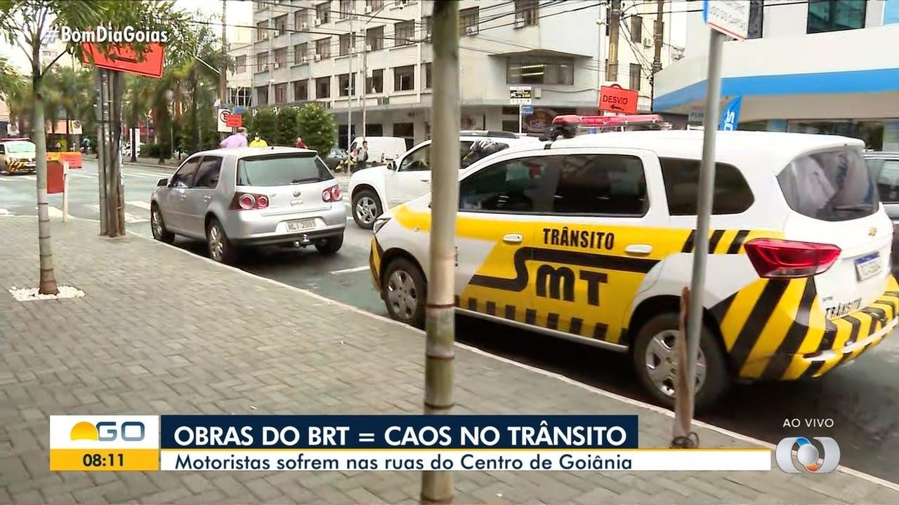 Centro de Goiânia fica congestionado por causa de obra do BRT