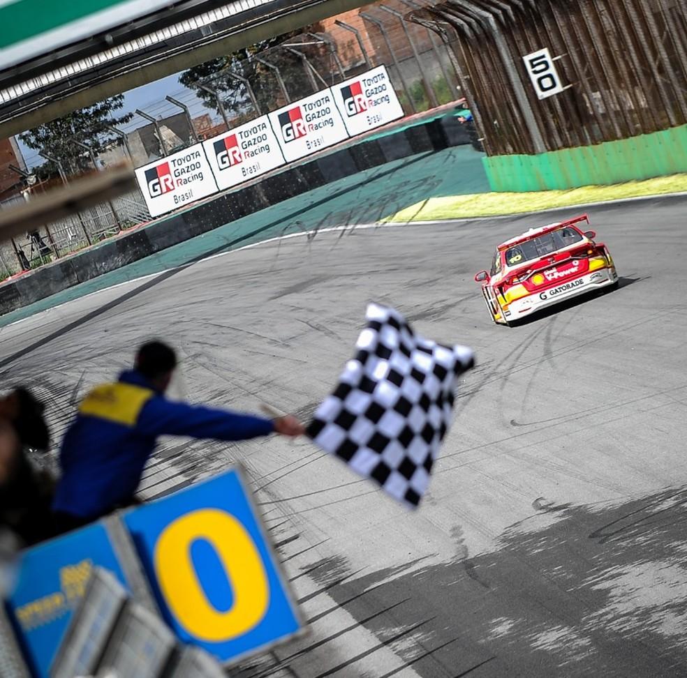 Ricardo Zonta vence a Corrida do Milhão Solidário na Stock Car, e ...