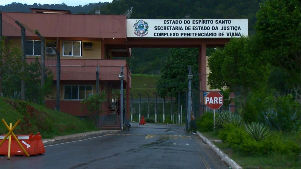 Entrada do Presídio de Segurança Máxima de Viana, onde Juan Pablo ficará preso preventivamente — Foto: Reprodução/TV Gazeta