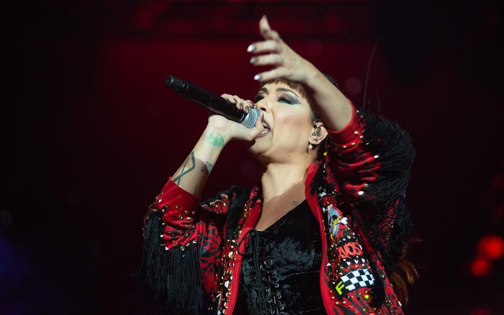 Pitty chama os fãs para cantarem junto com ela no João Rock 2019 — Foto: Érico Andrade/G1