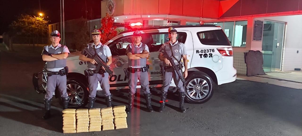 Trio é preso com tabletes de cocaína em rodovia de Marília