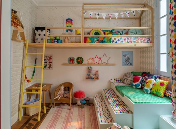 Um quarto com aconchego de casa de vó para todos os primos se divertirem juntos. A arquiteta Hana Lerner, a Mooui e a Mimoo Toys'n Dolls criaram um ambiente lúdico para criancas de 2 a 7 anos com gostinho de férias infantis (Foto: Casa Na Toca/Divulgação)