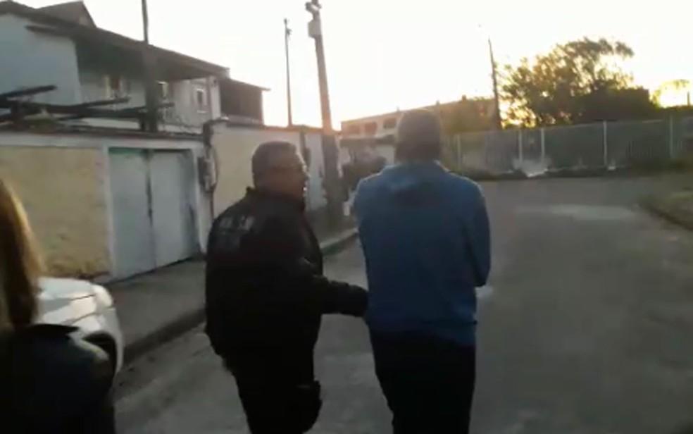 Professor de escolinha de futebol é preso no Rio por suspeita de abuso sexual contra crianças — Foto: Reprodução