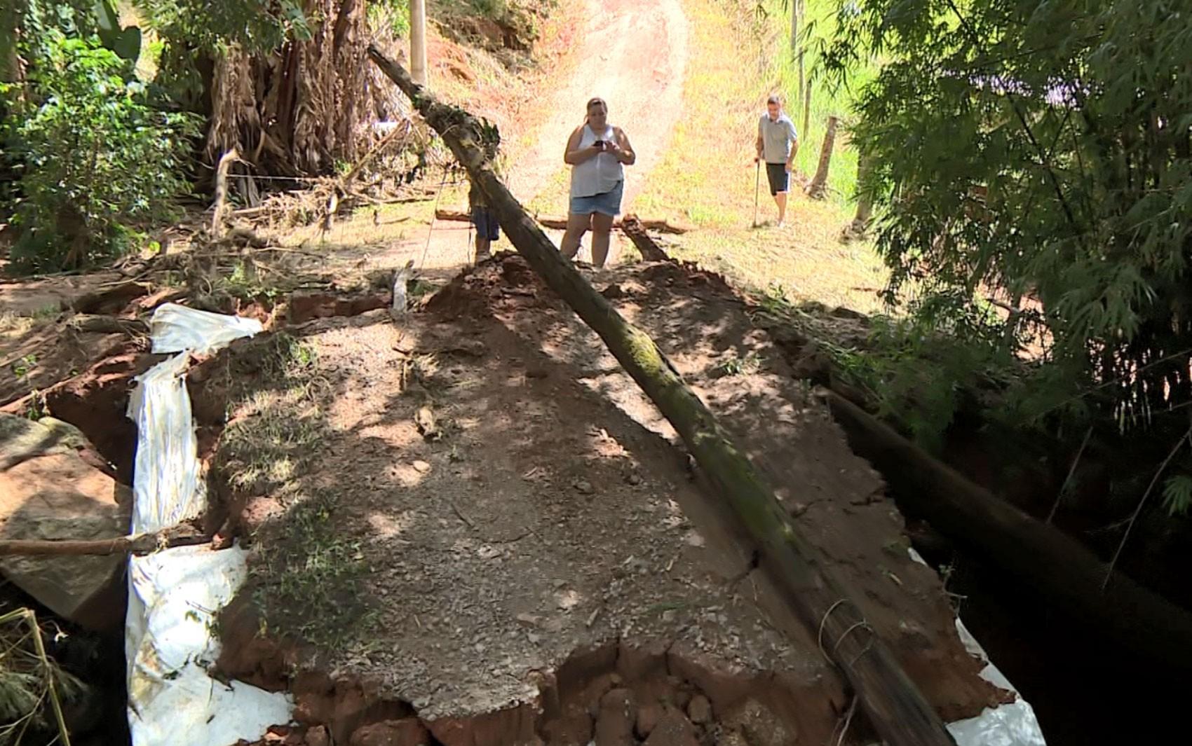 Depois das chuvas, região tem 9 cidades em atenção; famílias estão isoladas em Socorro - Noticias