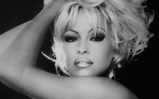 Pamela Anderson (Foto: Reprodução / Instagram)