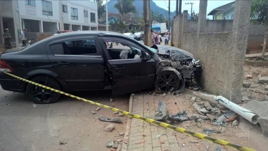 Adolescente de 16 anos atropela dois jovens de 17 em Rio do Sul; um deles morreu