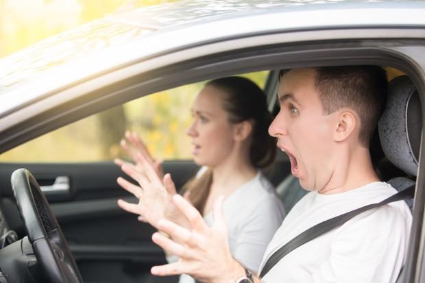 Por que tantas pessoas têm medo de dirigir? (Foto: Yanalya / Freepik)