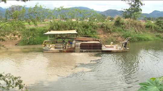 Sem fiscalização, retirada de areia de rio de SC ameaça biodiversidade