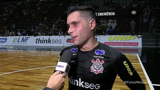 Goleiro do futsal Tiago elogia o futsal feminino e enaltece a Copa das Campeãs