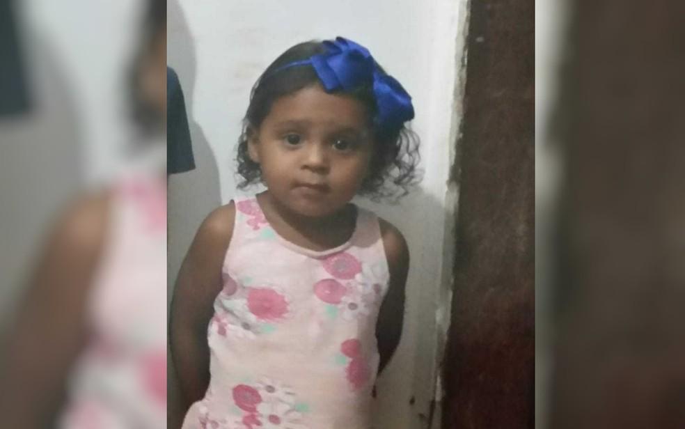 Anny Victória da Silva Xavier morreu após ser baleada dentro de carro, em Goiânia — Foto: Reprodução/TV Anhanguera