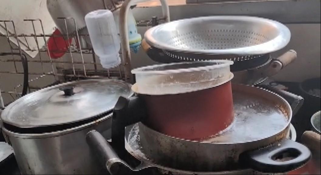 Família deixa casa após ficar sem água por quase uma semana em MG: 'Ficou inabitável'