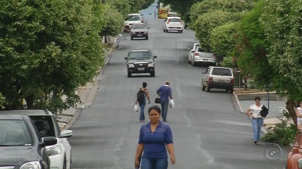 Moradores de Sebastianópolis do Sul votam em novo prefeito (Foto: Reprodução/TV TEM)