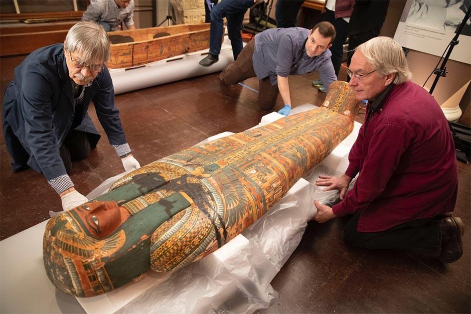 Desenho De Deus Egipcio E Encontrado Em Sarcofago De 3 Mil Anos