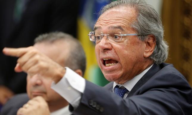 Ministro Paulo Guedes defendendo a reforma da Previdência na CCJ