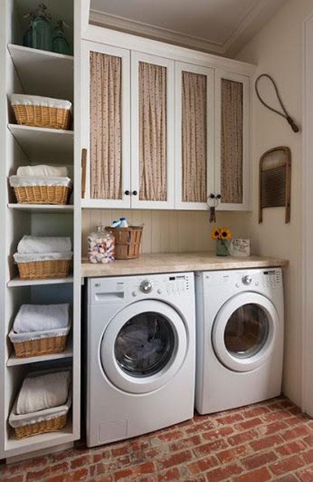 Lavanderia: Cestos de palha ditam a sequência de lavagem (Foto: Pinterest/Reprodução)