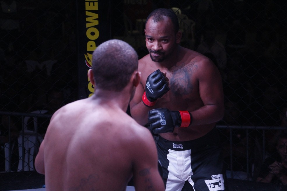 """Gabriel """"Vem Tranquilo"""" perdeu em sua estreia no MMA — Foto: Leonardo Fabri/divulgação"""