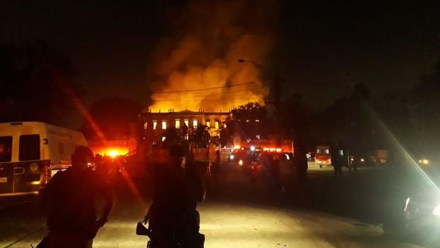Incêndio atinge Museu Nacional do Rio de Janeiro (Foto: Vitor Abdala/ Agência Brasil)
