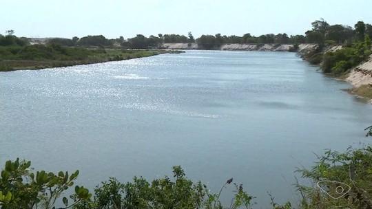 Água do mar avança sobre rio e começa racionamento no interior de Presidente Kennedy, ES