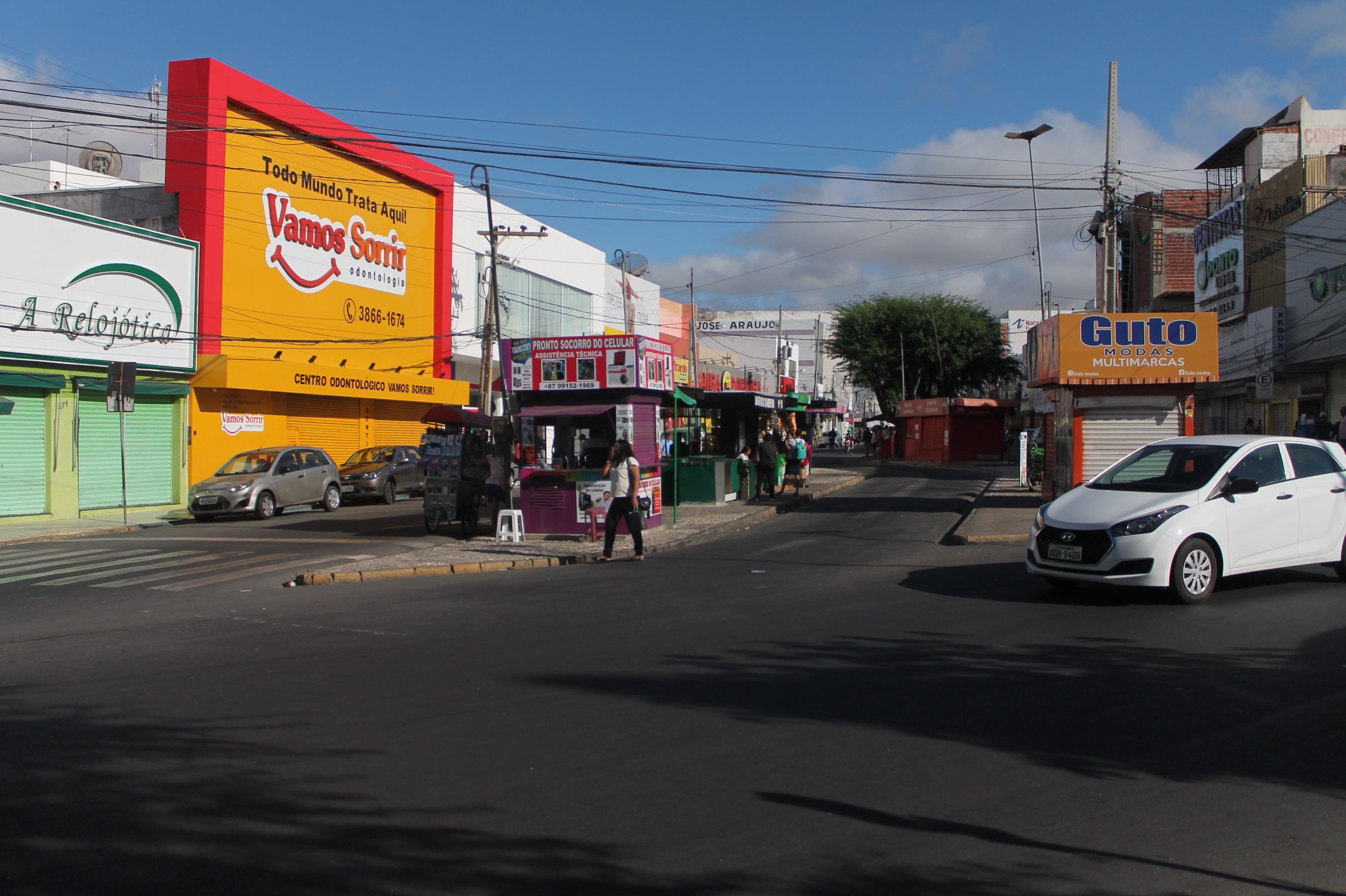 Veja o que abre e fecha no feriado de 12 de outubro em Petrolina, PE - Notícias - Plantão Diário