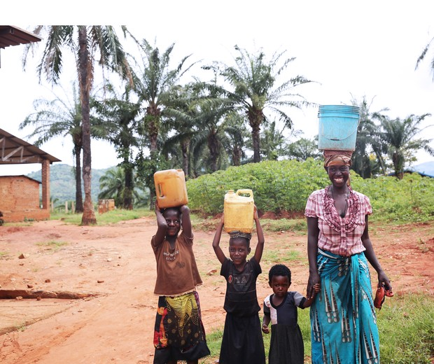 O acesso a água limpa e potável significa que menos crianças morrerão de doenças transmitidas pela água, e que as garotas não serão forçadas a caminhar distâncias longas e frequentemente perigosas, nas quais elas estão com frequência sob risco de ataque. (Foto: Courtesy of UNICEF 2017/Juan Haro)