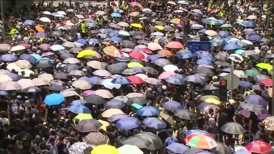 Milhares de manifestantes voltam às ruas de Hong Kong