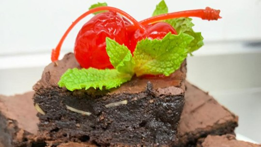 Brownie com Calda de Chocolate do 'BBB21'