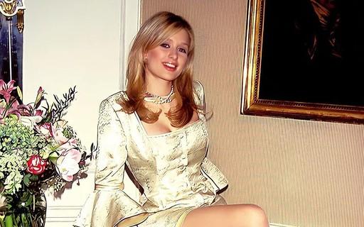 """Paris Hilton posta clique da adolescência e agita web: """"Envelhecendo como vinho"""""""