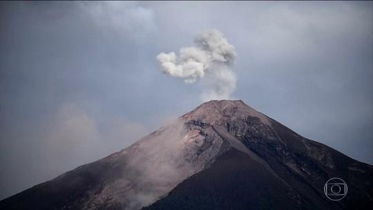 Guatemala suspende operações de resgate de vítimas do vulcão