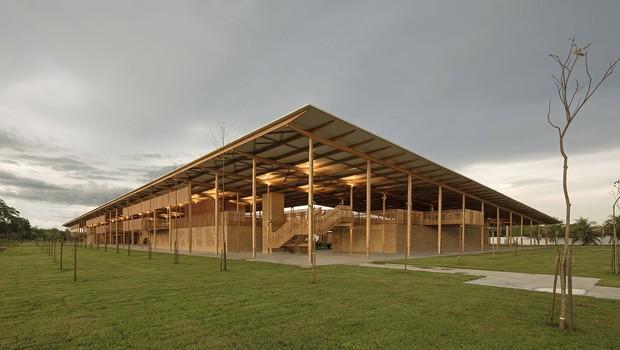Alojamento para alunos da escola Canuanã, mantida pela Fundação Bradesco no Tocantins, rendeu ao escritório Aleph Zero um prêmio do Instituto Real de Arquitetos Britânicos (Foto: Divulgação)