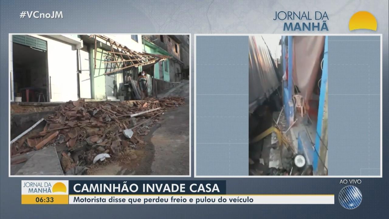 Caminhão carregado de sabão invade casa no bairro de Pirajá, em Salvador