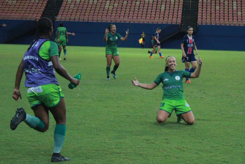 9adbc5c52bd03 ... Elisa fez os dois gols do título do Iranduba na final do Amazonense  feminino neste ano