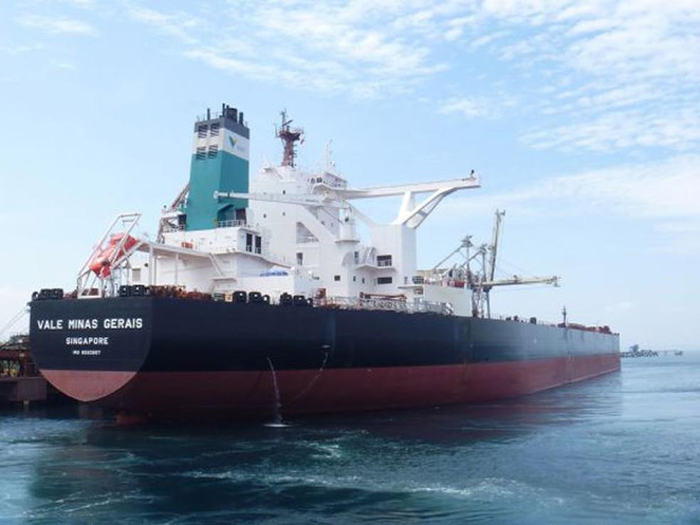 Vale Minas Gerais, navio supercargueiro do tipo Valemax, no porto de Villanueva, nas Filipinas (Foto: Divilgação/Agência  Vale)