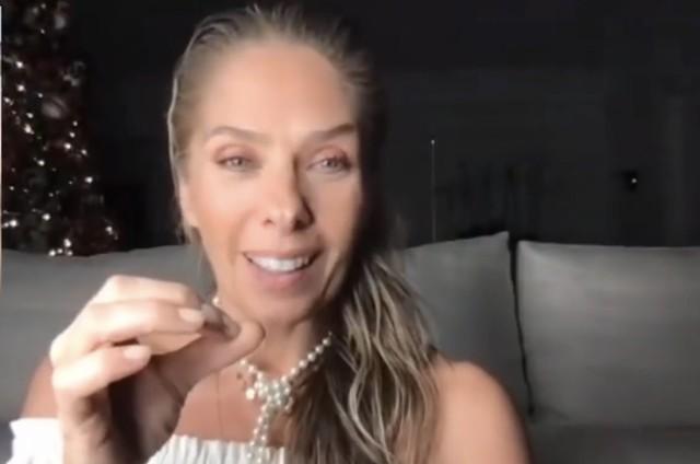 Adriane Galisteu (Foto: Reprodução/ YouTube)