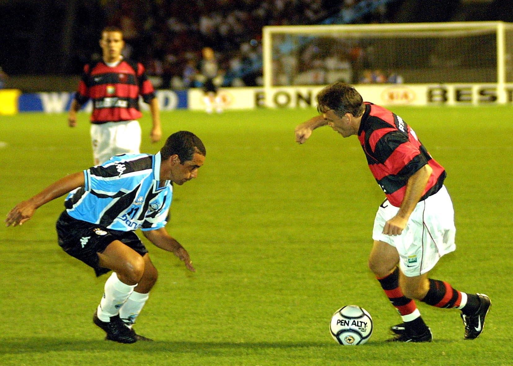 Zinho marca Petkovic, na semifinal da Copa Mercosul