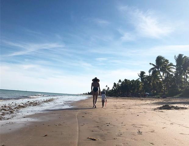 A atriz Tainá Muller agradeceu pelo ciclo de vida e se mostrou esperançosa com 2018 (Foto: Reprodução Instagram)