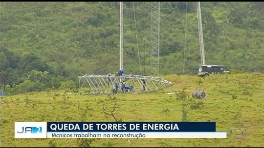 Mais de 200 pessoas trabalham para reconstruir torres de enrgia em Campo Alegre