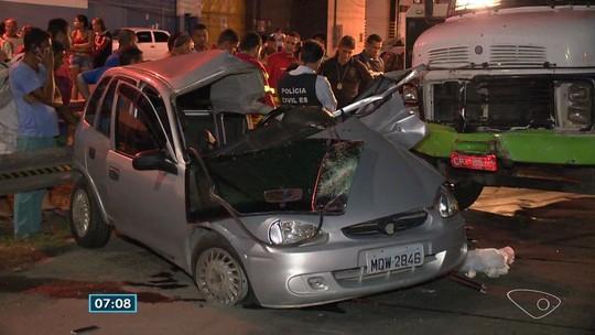 Homem morre em acidente entre carro e caminhão no ES