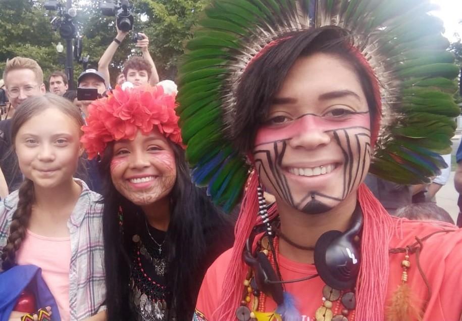 A sueca Greta Thunberg, a panamenha Militza Embera a brasileira Artemisa Xakriabá