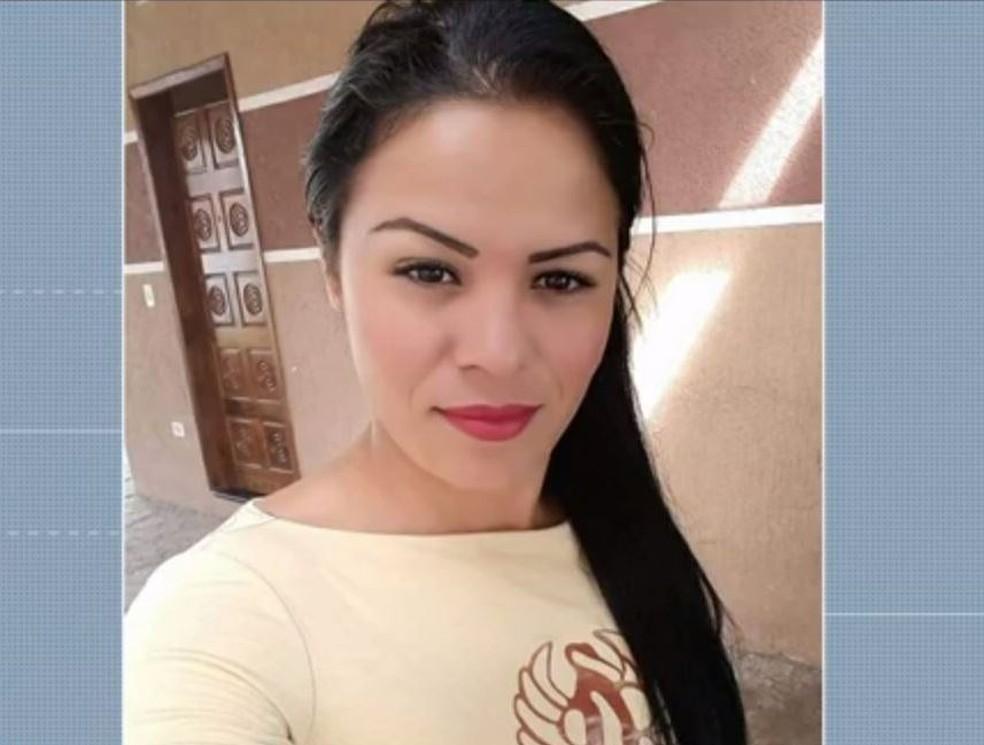 Jocileine Siqueira morreu depois de ser baleada pelo ex-marido, em Paranaguá, segundo a Polícia Militar — Foto: Reprodução/RPC