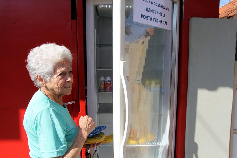 Aposentada de 73 anos gostou da iniciativa (Foto: Fabio Rodrigues/G1)