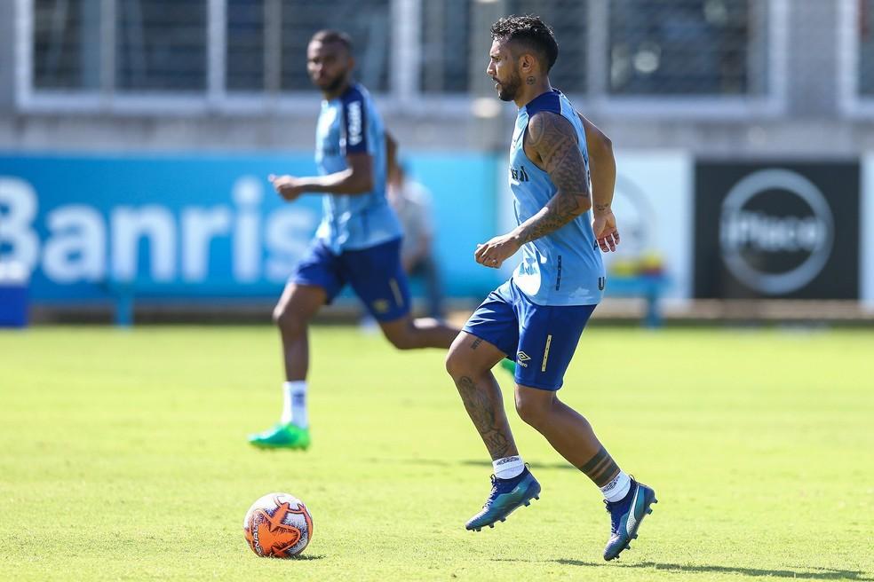 Montoya é o principal candidato à vaga de Ramiro no Grêmio — Foto: Lucas Uebel/Grêmio FBPA